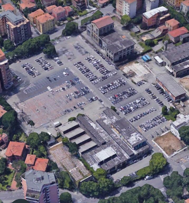 Distesa d'asfalto certo, come dice il Sindaco, dopo le abusive demolizioni volute dalla Giunta municipale nell'estate 2010